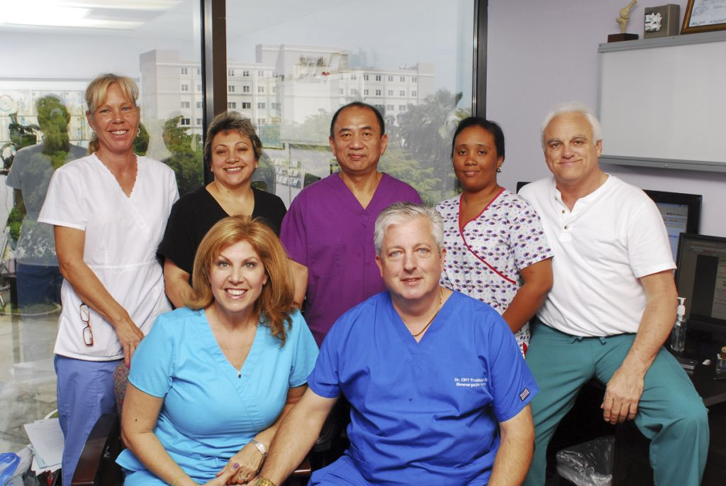 Dr Fruithandler and Staff 2012